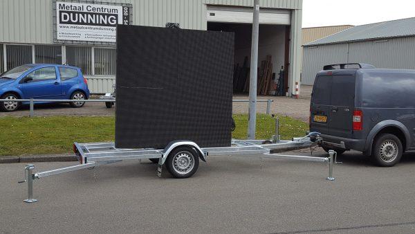 Aanhangwagen met LED-scherm 1